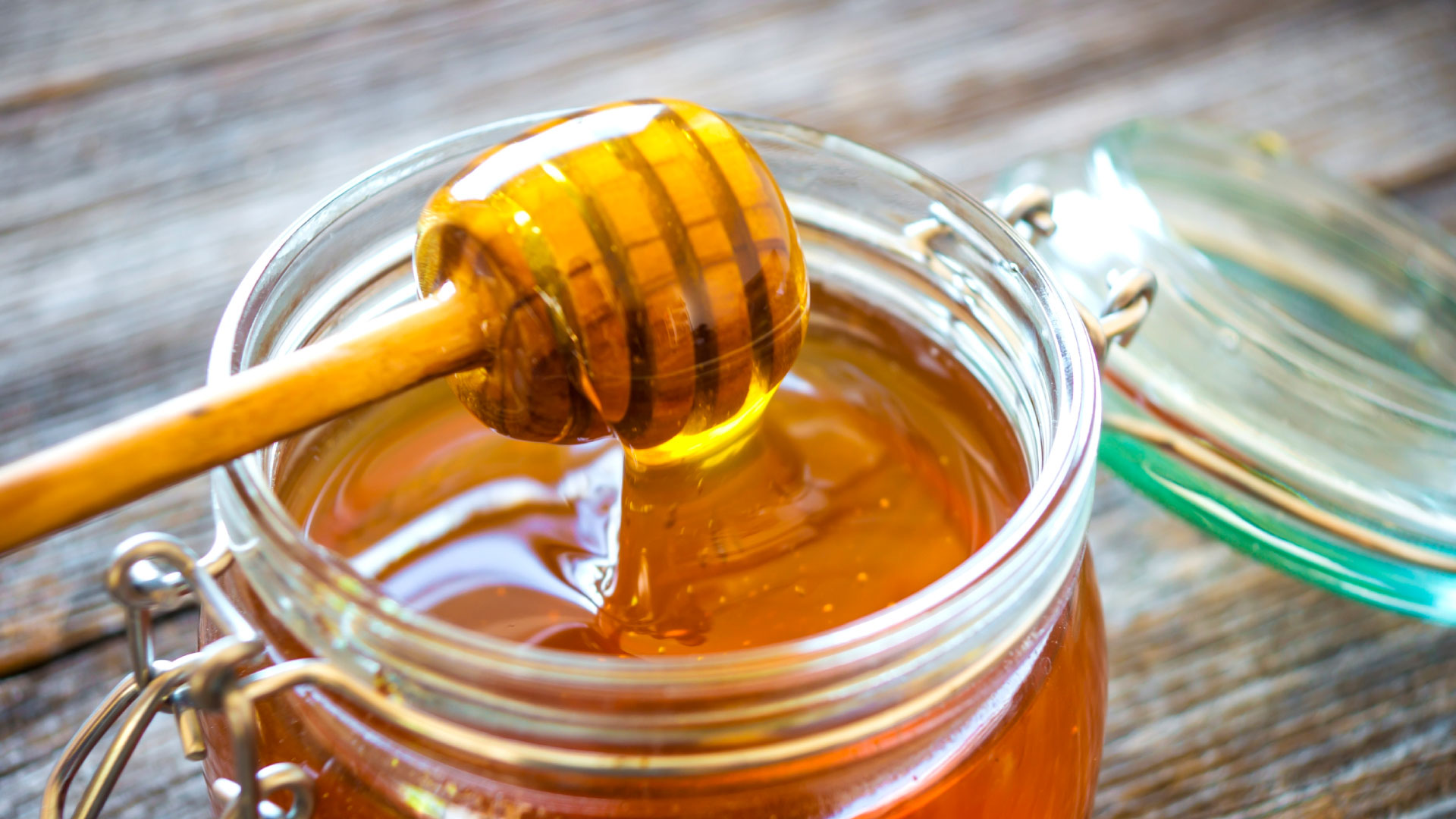 Pure Organic Honey for pink eye